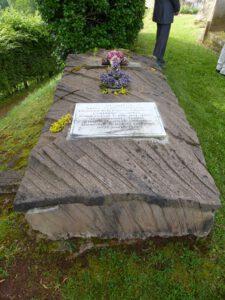 Tombe du lieutenant-colonel Dayet, pour lequel un projet de restauration est lancé