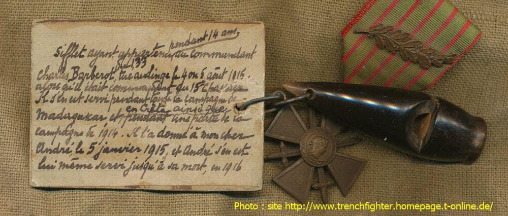 Sifflet du commandant Barberot et croix de Guerre de André Cornet-Auquier